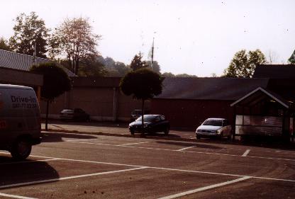 Delhaize et Spa-Boisson en 2001 (au même endroit)