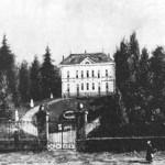 """Emplacement de l'ancien bâtiment des """"Bains"""" avant sa construction"""