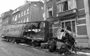 07 mai 2013 : la carcasse du camion transportant du terreau.