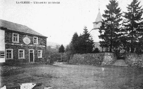 Carte postale 1900: A gauche, le café-salle «L'Echo des Campagnes»
