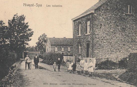 Les enfants de la colonie de Nivezé-Spa en 1910 (carte postale)