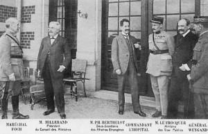 1920 : La délégation française sur la terrasse du château du Neubois (carte postale)