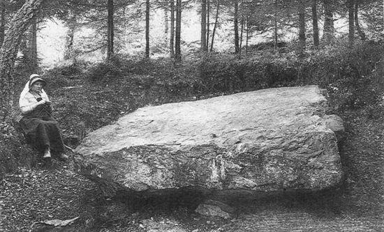 1912 : Le « dolmen » (extrait de « Petite histoire sartoise », M. Carmanne)