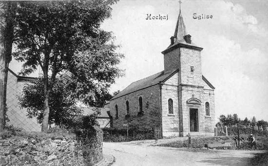 Eglise de Hockai en 1910. C'est sur son parvis que la kermesse locale est organisée en juillet