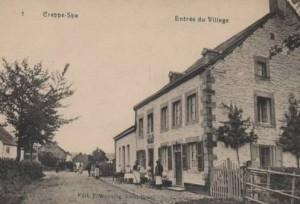 1909: Café de la Belle Vue situé à l'entrée du village en face de la route menant à La Gleize.  Enseigné  par après «A la Bonne Tasse» (Briscot-Constant). De nos jours, c'est le seul établissement du village, il porte le nom de «Café de l'Amicale du plateau».