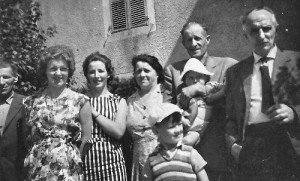 Juillet 1963 : Robert Lejeune, Arlette, Denise, les parents d'Arlette, Paul Jérôme (le père de Denise)  (photo collection Denise Jérôme)