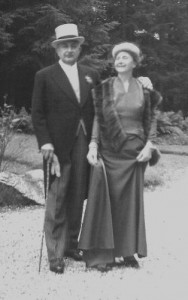 1957 : Fernand de Leuze  et son épouse Maguy Magnée (photo collection Dr de Leuze)