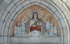 Fresque située au-dessus du portail de la chapelle de Nivezé.