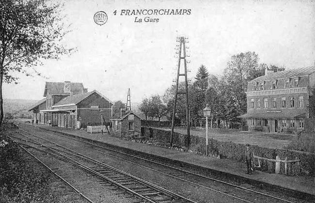 1900: la gare de Francorchamps et l'hôtel de la Gare appelé aussi hôtel Rouxhe