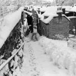 1988 :  M. Castagnetti, habitant de la rue a dégagé la neige qui était tombée en abondance.
