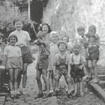 Des enfants dans la rue Gilles Ouda en ? (photo de Mme Buson)
