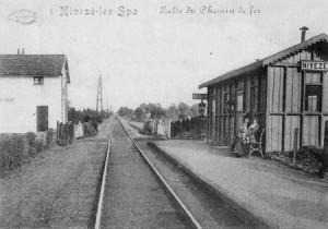 1910 : La halte de Nivezé située non loin de la fontaine du Tonnelet (carte postale)