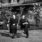 1937 : M. et Mme Louwers dans leur jardin nivezétois (photo collection Eric Bonhomme)