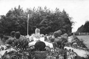 Carte postale: 1950: Le monument du Maquisard Inconnu