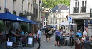 La rue Delhasse transformée en rue piétonne en 2013.