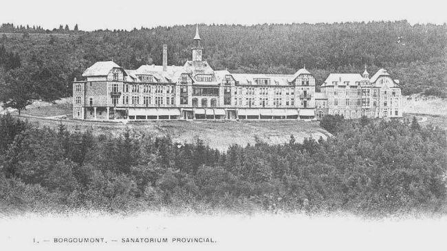 1910: le Sanatorium Provincial de Borgoumont dont la façade arquée est orientée plein sud