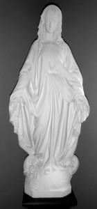 Statue de la Vierge sauvée des flammes