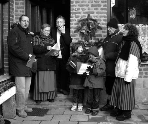 Tina Boskin reçoit les hèyeux du Vieux-Spa à Noël.