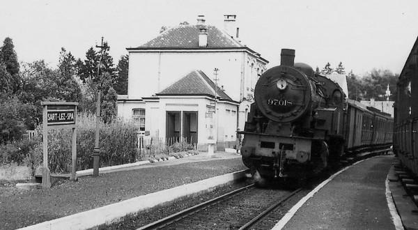 1957 Train en gare de Sart-Lez-Spa  «Petite histoire sartoise» M. Carmanne)