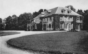 1955 : l'Hôtel « Le Vieux-Nivezé » (carte postale)