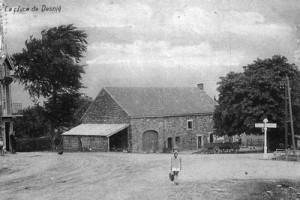 Le carrefour de Desnié anciennement dénommé la place de Desnié (carte postale)