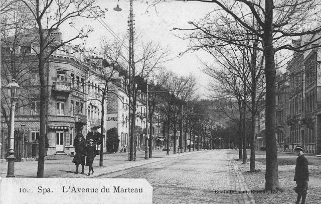 Avenue du Marteau - L'hôtel Astoria est le 2ième bâtiment à gauche