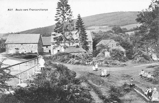 Carte postale: 1910: le centre du hameau de Ruy et son terrain banal (lu Werhê)
